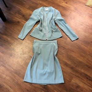 R&K Originals Size 6 Skirt and Jacket Two Piece